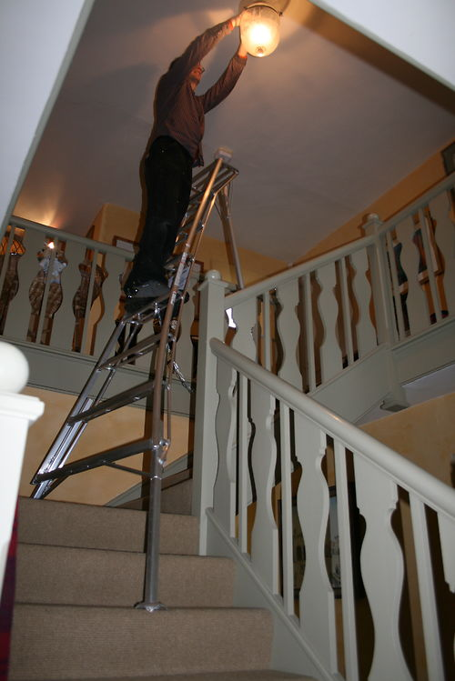 adjustable tripod ladder
