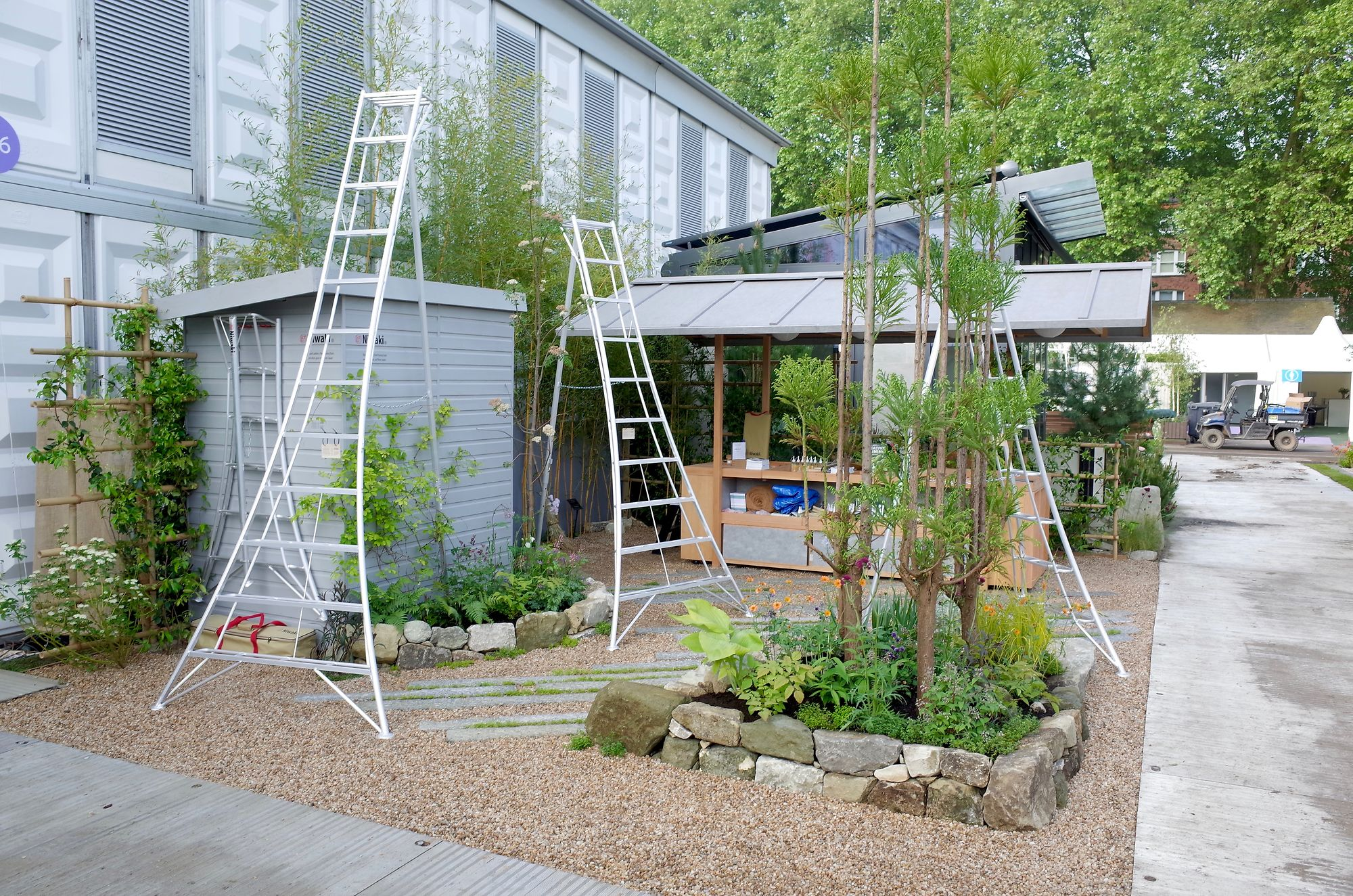 Niwaki - Japanese Tripod Ladders, Fine Pruning Tools & Other Great